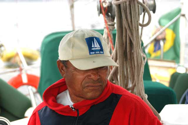 imagem de Alonso na viagem do naufrágio a tripulação do mar sem fim
